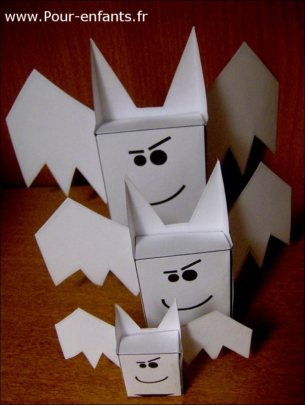 Paper toy halloween chauve souris imagespaper toys petite for Gabarit chauve souris a imprimer